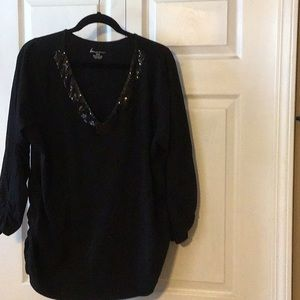 Black Sequin V neck shirt 22/24